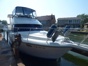 Used Carver 350 Aft Cabin Motor Yacht For Sale