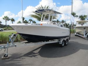 Used Robalo R200 Center Console Sports Fishing Boat For Sale