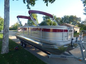 Used Berkshire 260E Pontoon Boat For Sale