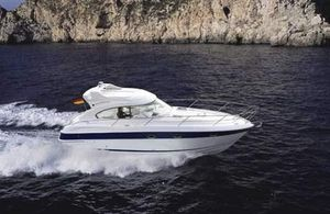 Used Bavaria 33 Sport HT Express Cruiser Boat For Sale