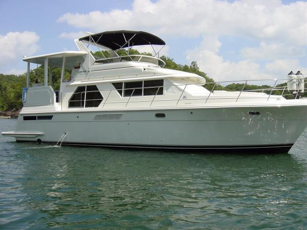 Used Carver 445 Aft Cabin Motor Yacht- Freshwater Aft Cabin Boat For Sale