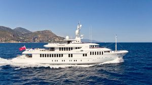 Used Turquoise Explorer Motor Yacht For Sale