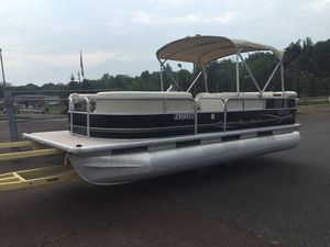Used Misty Harbor 2080 CR2080 CR Pontoon Boat For Sale
