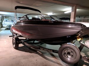 New Scarab 195 Identity Bowrider Boat For Sale