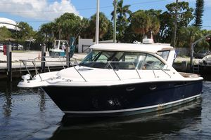 Used Tiara 3100 Coronet Express Cruiser Boat For Sale