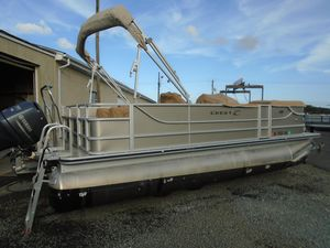 Used Crest II 210 SFCrest II 210 SF Pontoon Boat For Sale