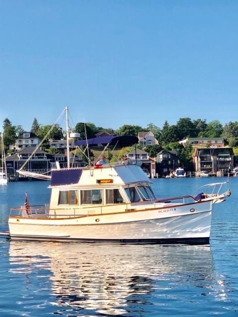 1989 Used Grand Banks 32 Sedan Trawler Boat For Sale - $139,000