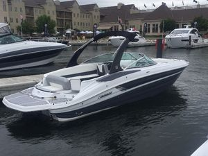 New Cruisers Yachts 298br Bowrider Boat For Sale