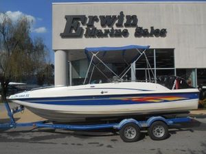 Used Bayliner 217 Outboard Bowrider Boat For Sale