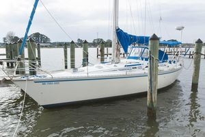 Used Hunter 40 Cruiser Sailboat For Sale
