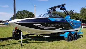 New Moomba Craz ProCraz Pro Ski and Wakeboard Boat For Sale