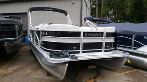 Used Sylvan 8522 LZ Motor Yacht For Sale