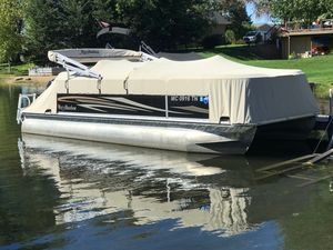 Used Misty Harbor Biscayne Bay 2085CS CruiserBiscayne Bay 2085CS Cruiser Pontoon Boat For Sale