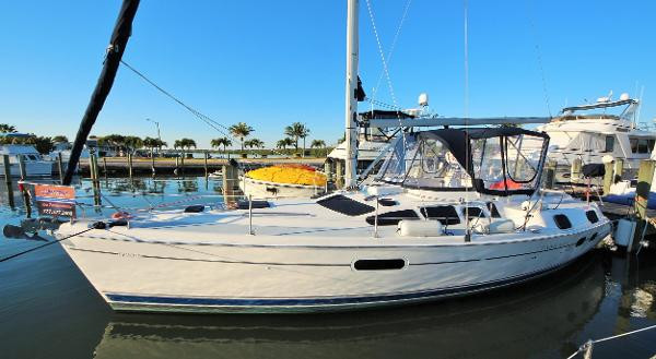 Used Hunter 420 Passage Center Cockpit Sailboat For Sale