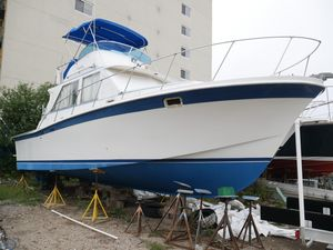 Used Uniflite 34 Sport Fisherman Cruiser Boat For Sale