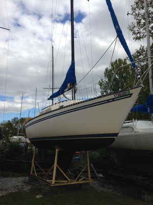 Used Spirit Yachts 28 Cruiser Sailboat For Sale