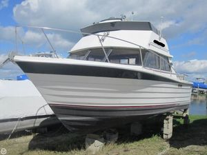 Used Penn Yan 30 SF Sports Fishing Boat For Sale