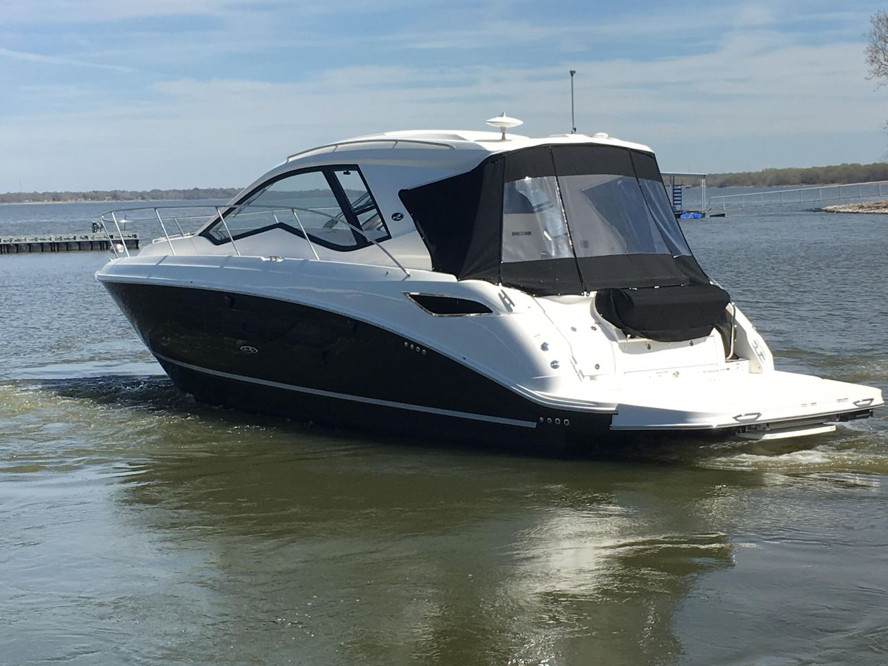 2019 New Sea Ray Sundancer 350 Coupe Sports Cruiser Boat For Sale