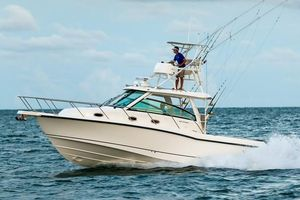 New Boston Whaler 345 Conquest Sports Fishing Boat For Sale