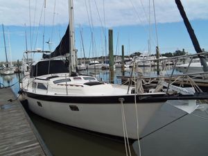 Used Irwin 43 MK III Cruiser Sailboat For Sale