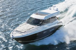 New Regal 42 Grande Coupe Motor Yacht For Sale