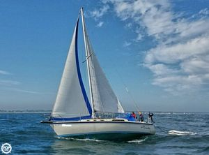 Used O'day 35 Racer and Cruiser Sailboat For Sale