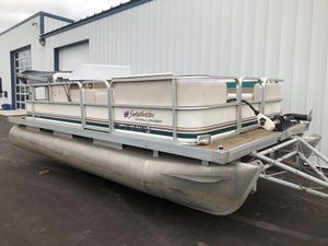Used Sweetwater Challenger 180RChallenger 180R Pontoon Boat For Sale