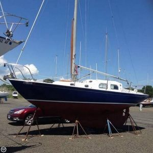 Used Pearson 28 Racer and Cruiser Sailboat For Sale