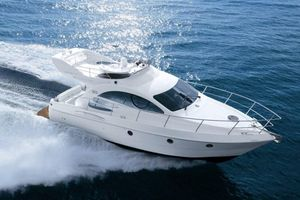 Used Azimut 39 Flybridge Boat For Sale