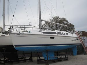 Used Hunter 336 Daysailer Sailboat For Sale