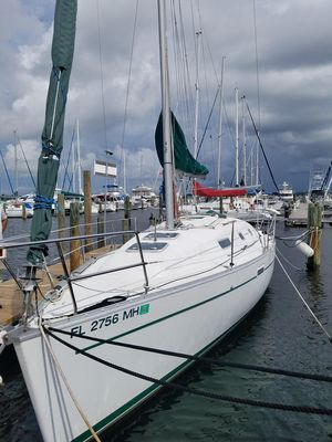 Used Beneteau 311 Centerboard Cruiser Sailboat For Sale