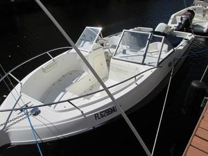 Used Glastron 213 DC Cruiser Boat For Sale