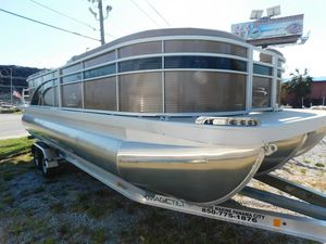 New Bennington 23 Pontoon Boat For Sale