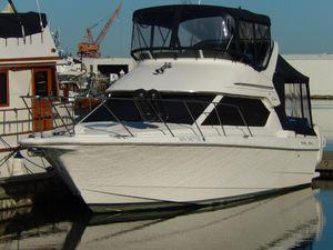 Used Bayliner 2858 Ciera Command Bridge Flybridge Boat For Sale