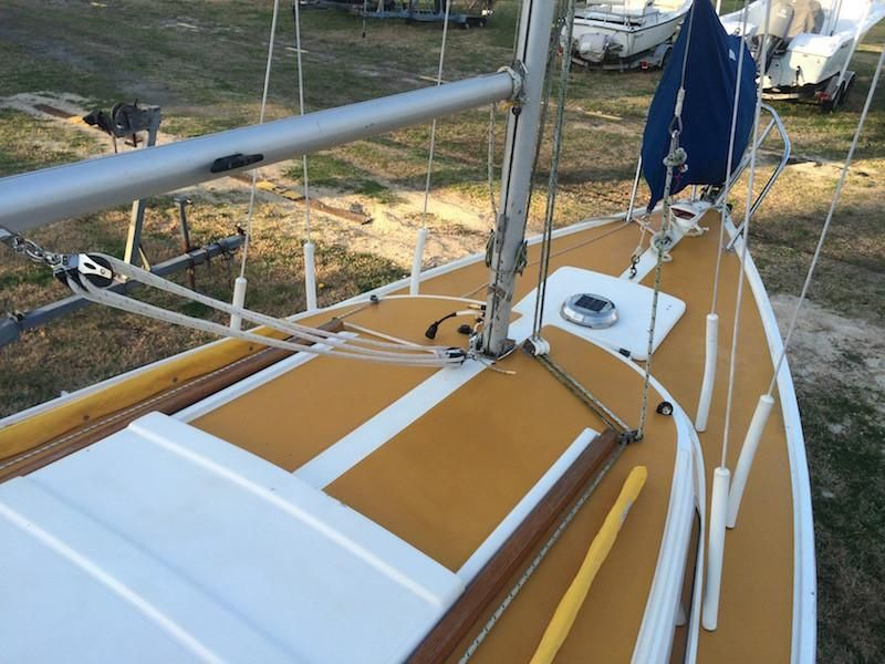 1971 Used Catalina 22 Cruiser Sailboat For Sale - $6,500