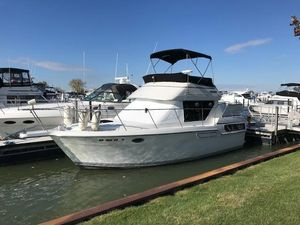 Used Carver 300 Aft Cabin Motor Yacht For Sale