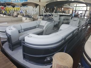 New Regency 230 LE3 TRI-toon w/ Mercury 250 HP $ stroke Black/Charc230 LE3 TRI-toon w/ Mercury 250 HP $ stroke Black/Charc Pontoon Boat For Sale