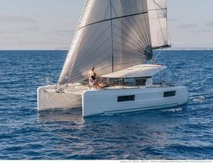 Used Lagoon 40 Cruiser Sailboat For Sale
