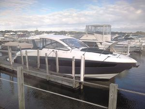 New Cruisers Yachts 390express Express Cruiser Boat For Sale