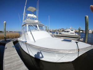 Used Custom Carolina Island Boatworks Custom Carolina Express-repowered With Cummins QSB 380S Sports Fishing Boat For Sale