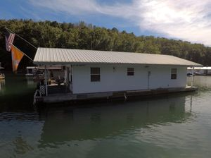 Used Custom 21.5 X 37 Floating Cabin House Boat For Sale