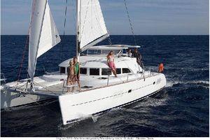 New Lagoon 380 Catamaran Sailboat For Sale