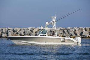 New Boston Whaler 380 Outrage380 Outrage Center Console Fishing Boat For Sale