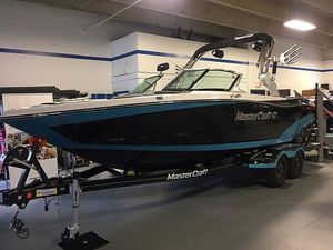 Used Mastercraft XT23XT23 Ski and Wakeboard Boat For Sale