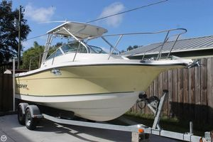 Used Trophy 2352 WA Walkaround Fishing Boat For Sale