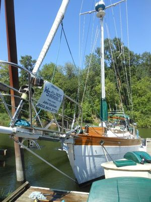 Used Hans Christian 38 Cruiser Sailboat For Sale