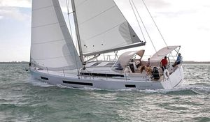 Used Jeanneau Sun Odyssey 490 Racer and Cruiser Sailboat For Sale
