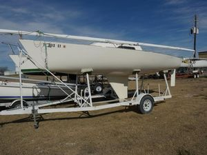 Used J Boats J22 Racer and Cruiser Sailboat For Sale