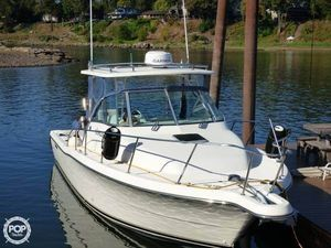 Used Pursuit 305 Offshore Walkaround Fishing Boat For Sale