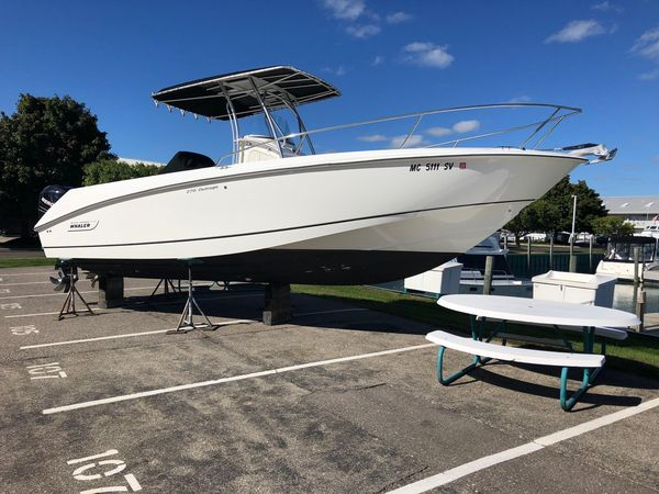 Used Boston Whaler 270 Outrage270 Outrage Center Console Fishing Boat For Sale